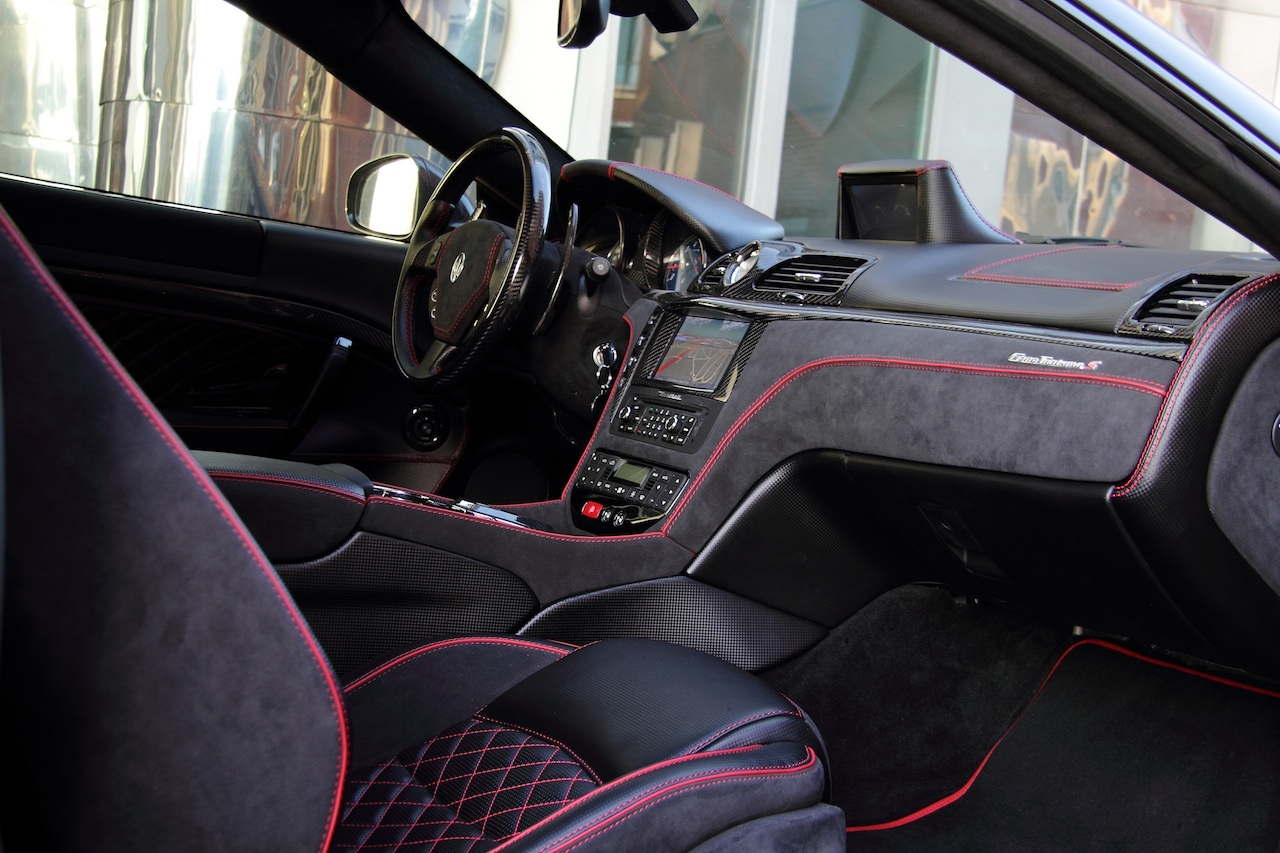 Anderson vytvořil temné Maserati Granturismo S 11
