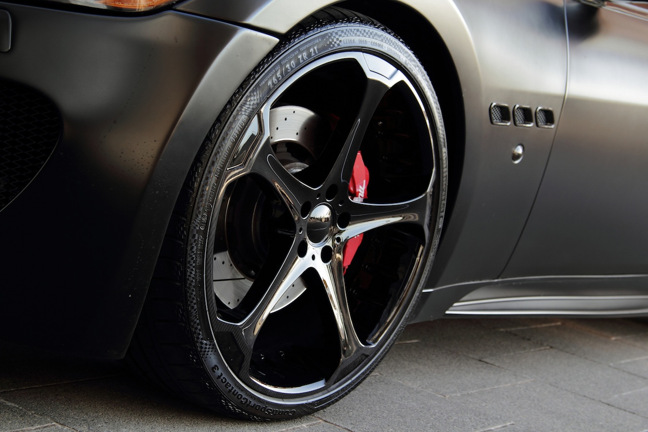 Anderson vytvořil temné Maserati Granturismo S 6