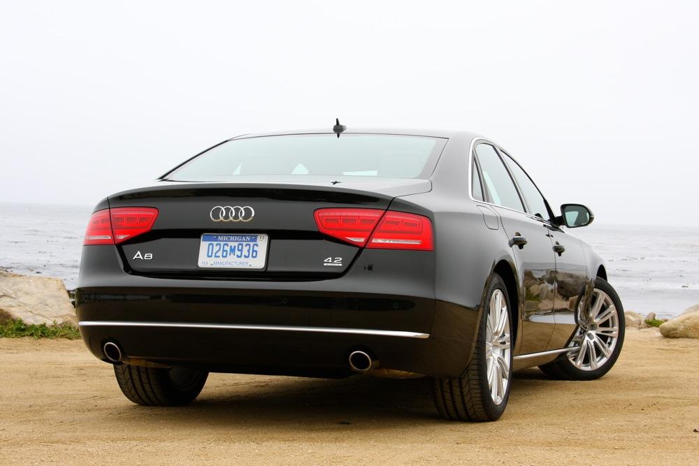 Audi A8 L W12 obr. 2