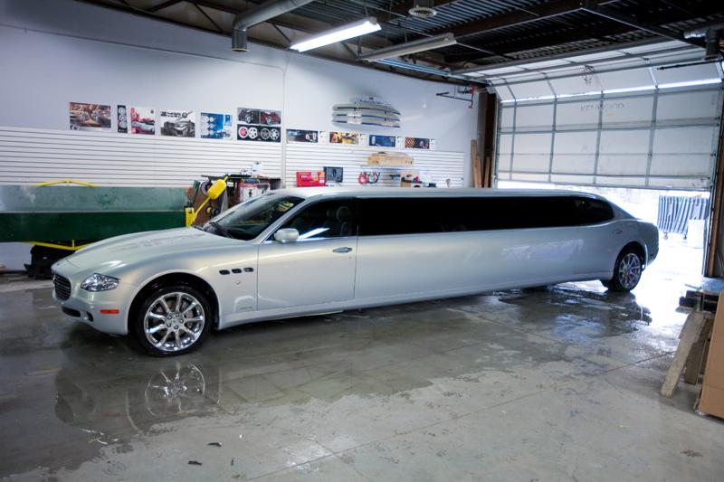 Extrémně dlouhá limuzína Maserati Quattroporte 6