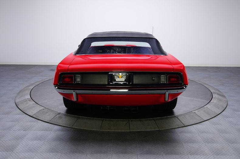 Time Machines namontovali do Plymouthu Barracuda motor z Viperu 3