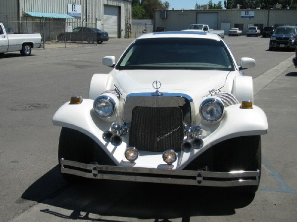 Excalibur Limousine Based Lincoln Town Car 2006