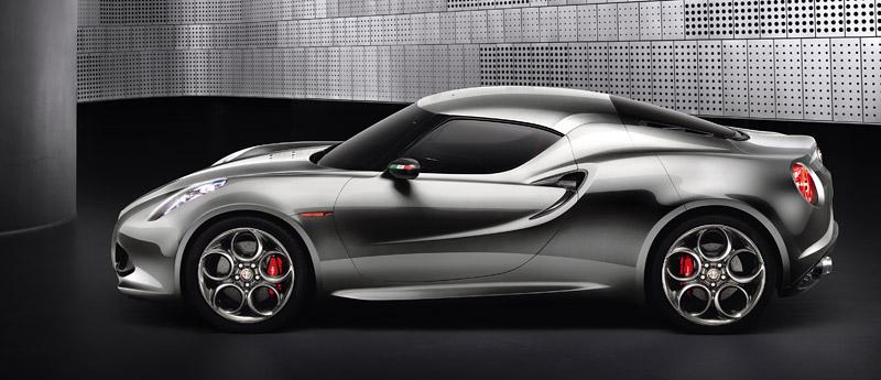 Alfa Romeo 4C míří do Franfurtu znovu jako koncept¨2