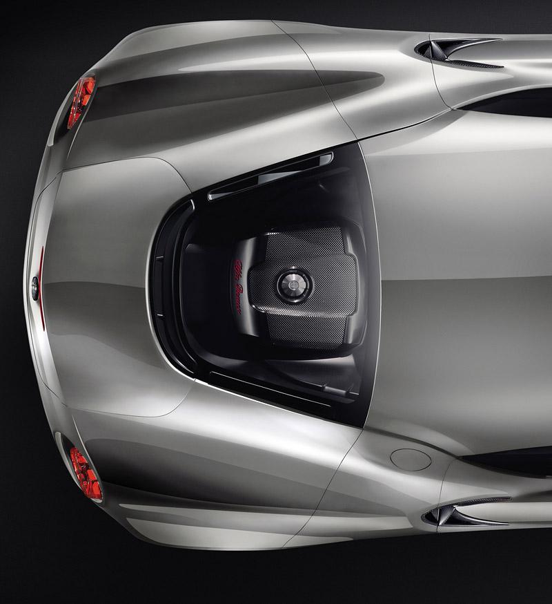 Alfa Romeo 4C míří do Franfurtu znovu jako koncept¨5