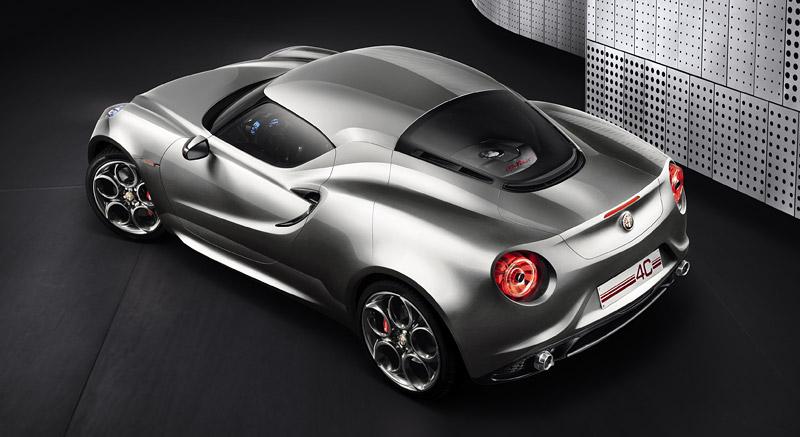 Alfa Romeo 4C míří do Franfurtu znovu jako koncept 4