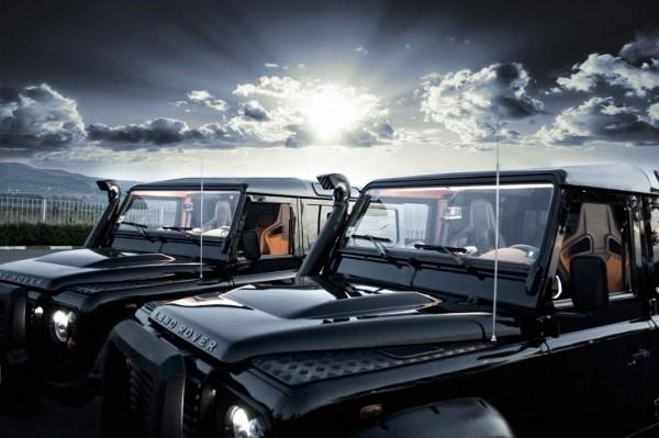 Dva Land Rovery Defendery modifikovány od Vilneru 3