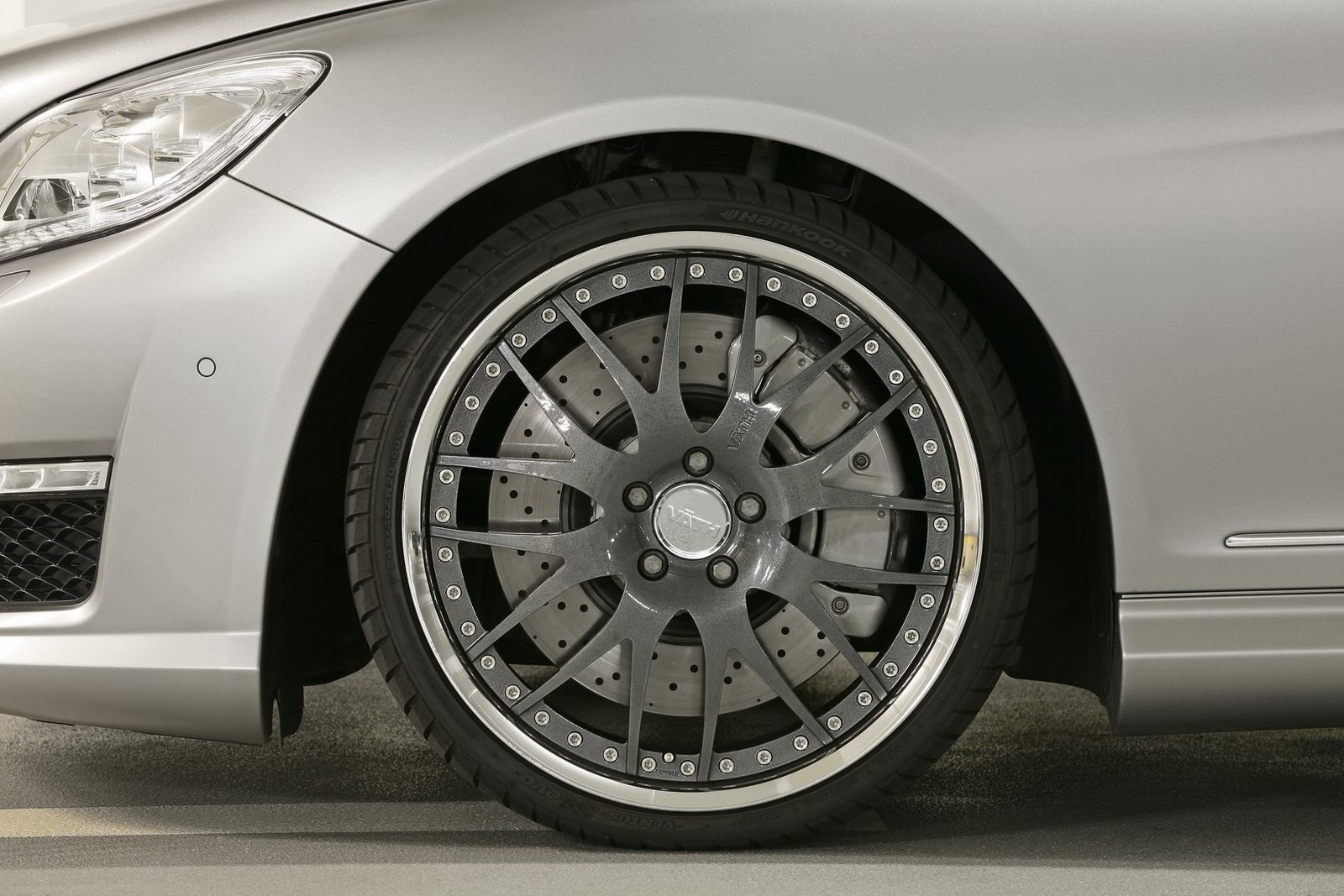 Mercedes-Bent CL 63 AMG a nárust výkonu od Väth 3