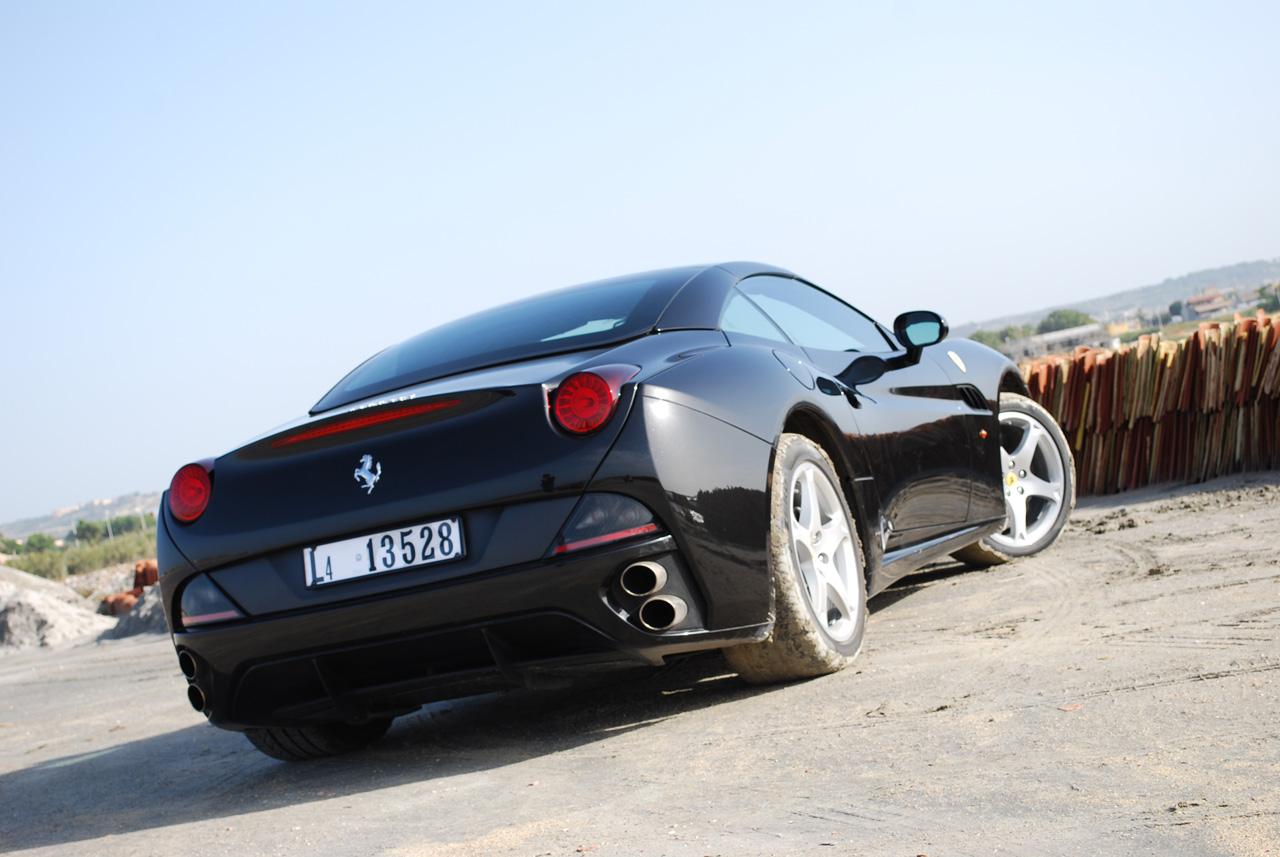 Ferrari California pro rok 2012 vyšší výkon a nižší hmotnost 3