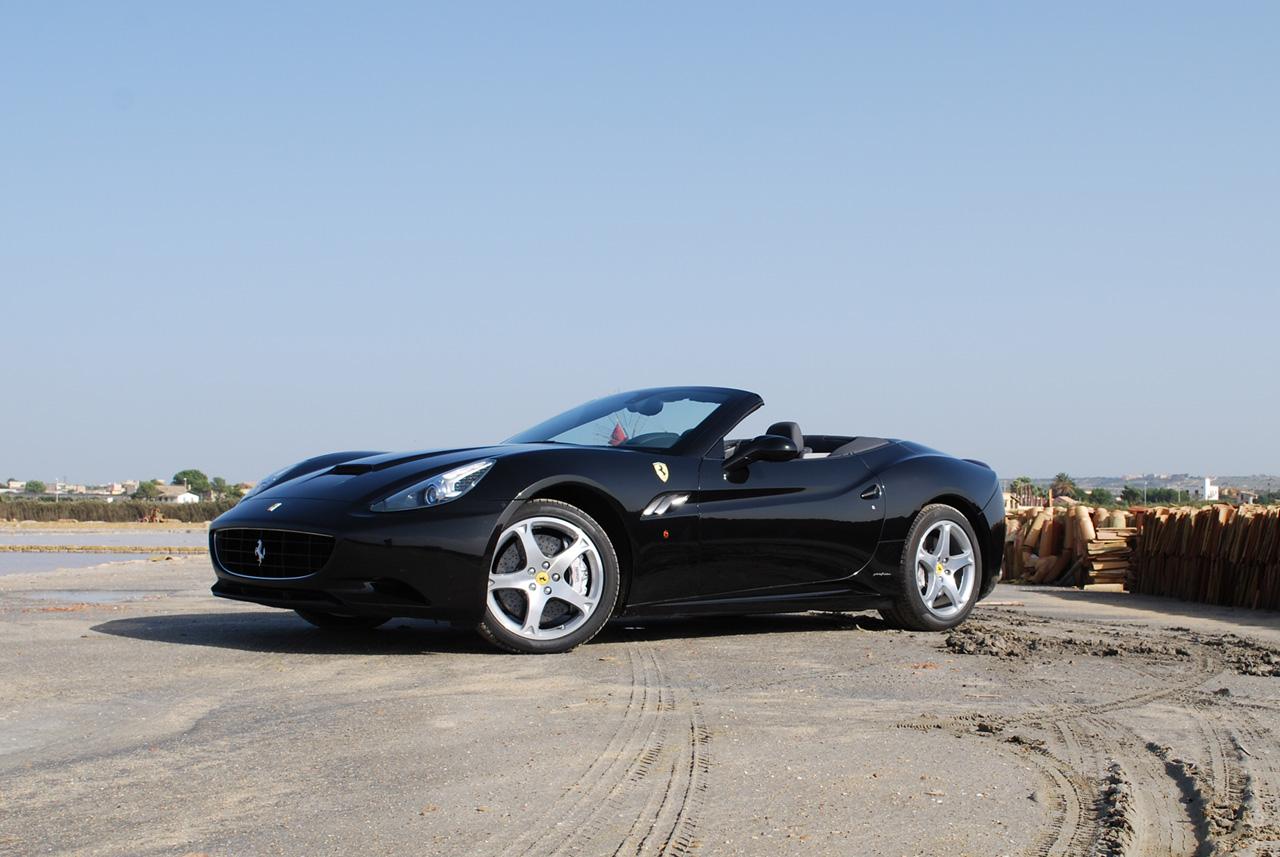 Ferrari California pro rok 2012 vyšší výkon a nižší hmotnost 5