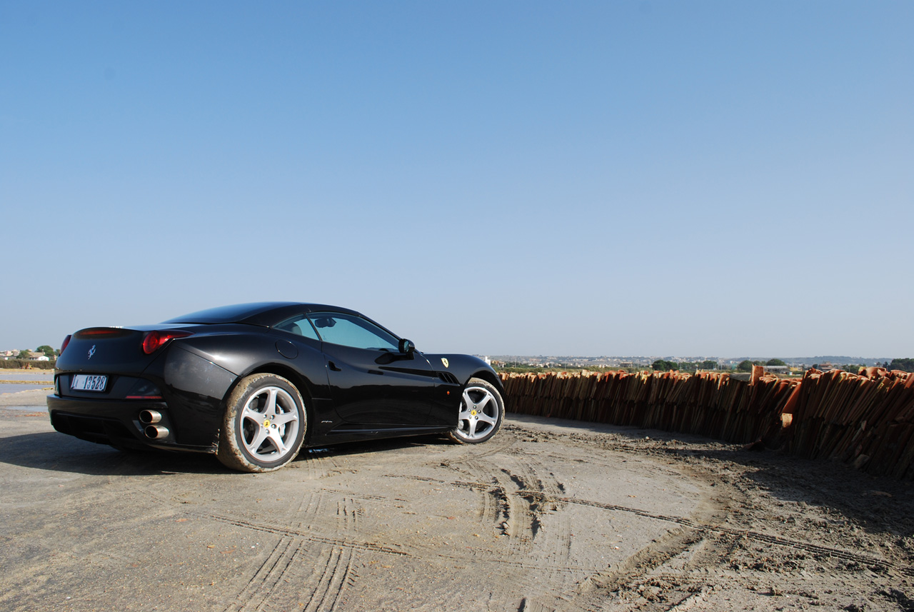 Ferrari California pro rok 2012 vyšší výkon a nižší hmotnost 6