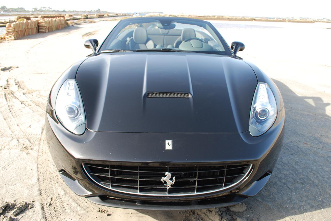 Ferrari California pro rok 2012 vyšší výkon a nižší hmotnost 7