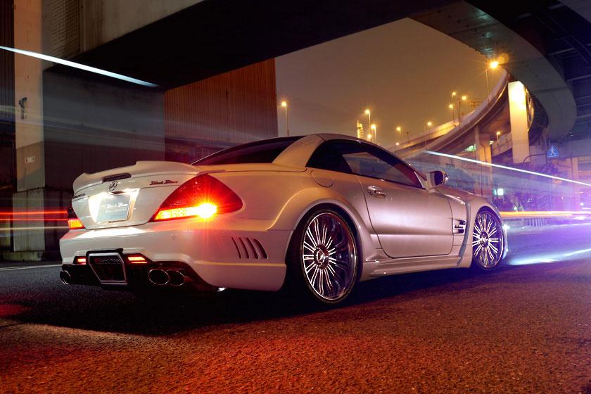 Japonci z Wald International stvořili Mercedes-Benz SL Black Bison 6