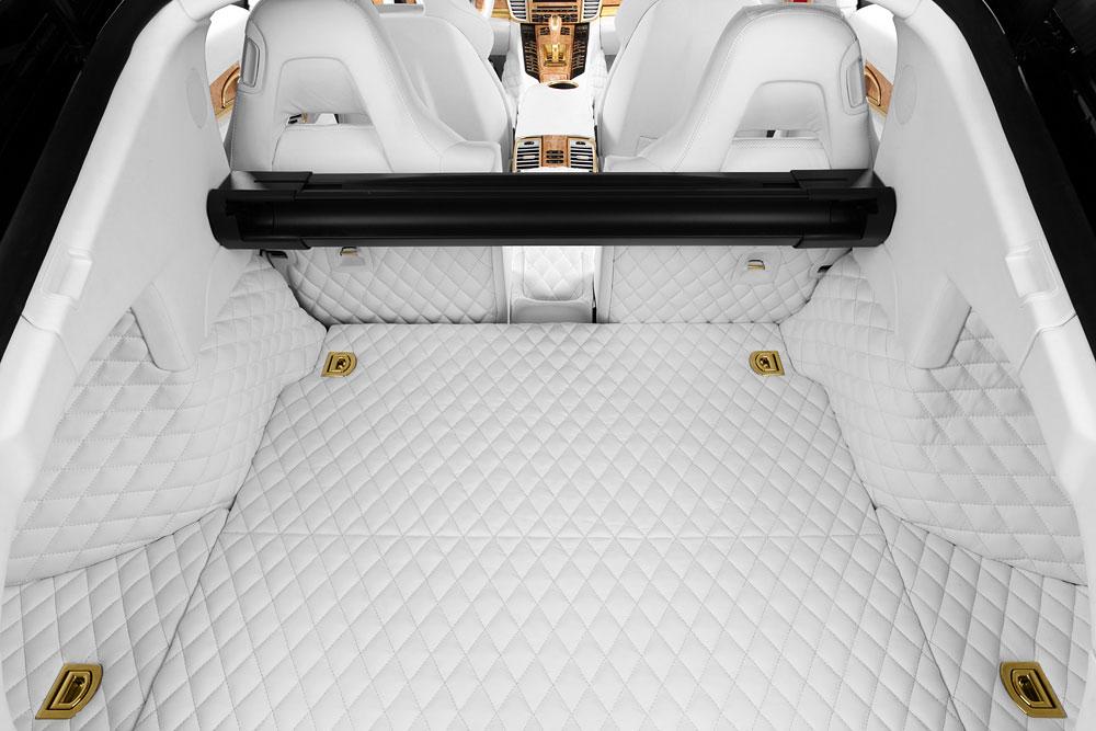 Porsche Panamera Stingray GTR se zlátým a krokodýlým interiérem 10