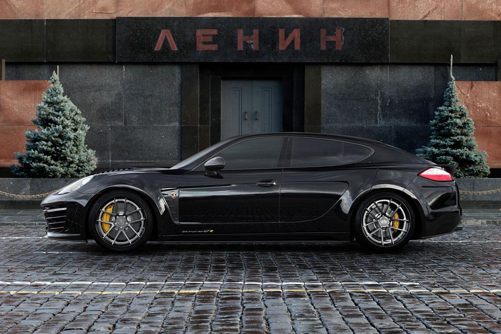Porsche Panamera Stingray GTR se zlátým a krokodýlým interiérem 6