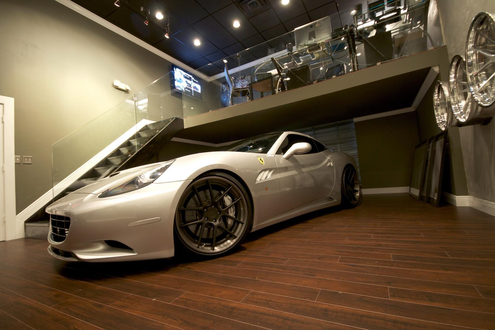 DMC představilo Ferrari California s výkonem 606 koní 4