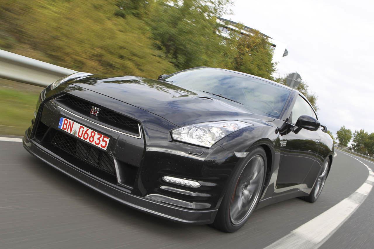 Nissan představil GT-R pro rok 2012 6