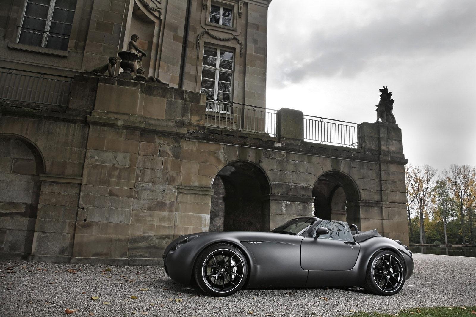 Temný Wiesmann Roadster z Německa 7