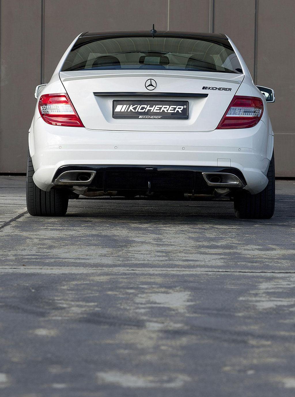 Kicherer uvedl Mercedes-Benz C63 AMG White Edition 3