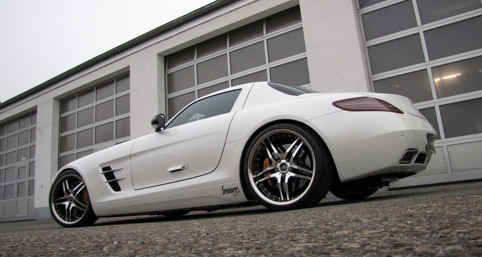 Senner představil lehčí úpravy pro Mercedes-Benz SLS AMG 7