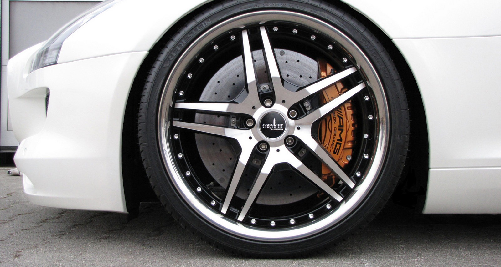 Senner představil lehčí úpravy pro Mercedes-Benz SLS AMG 8