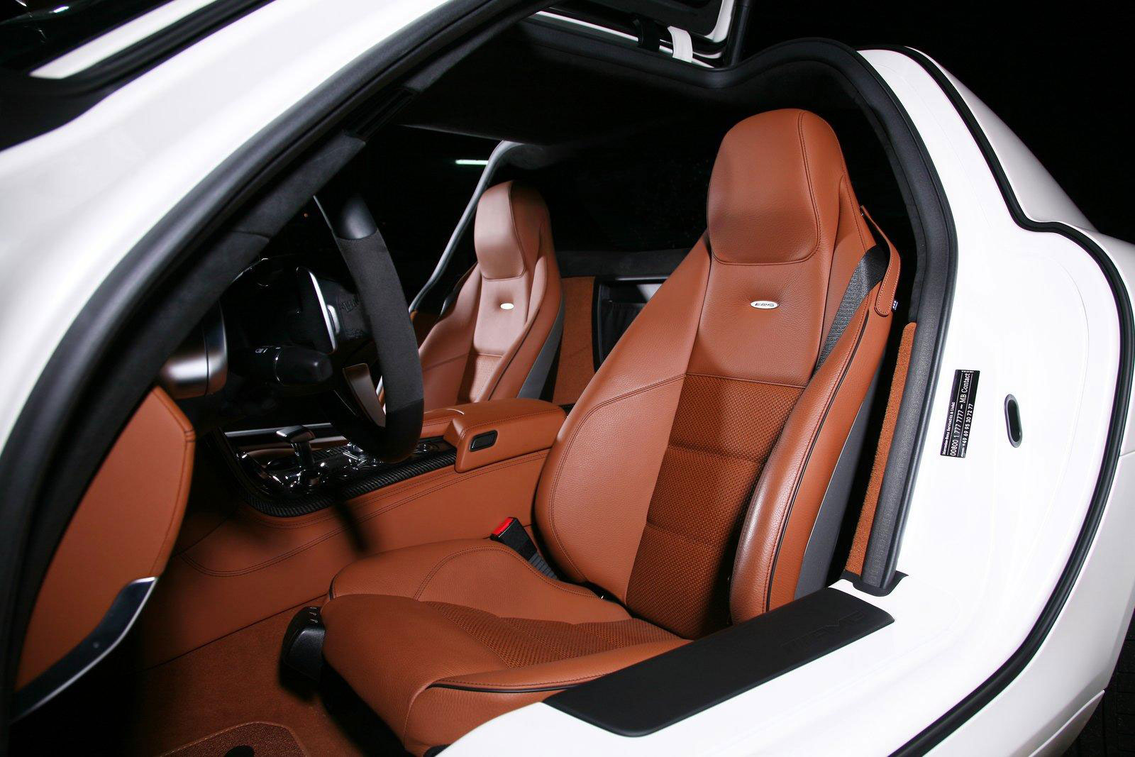 Mercedes-Benz SLS AMG dostal od Inden Design pár koní navíc 7
