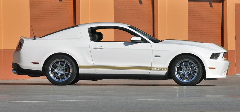 Shelby slaví 50 let limitovanou sérií Ford Mustang 9
