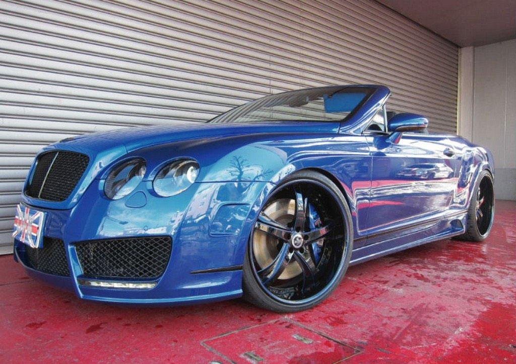 Velmi povedeně upravený Bentley Continental GT Convertible 2