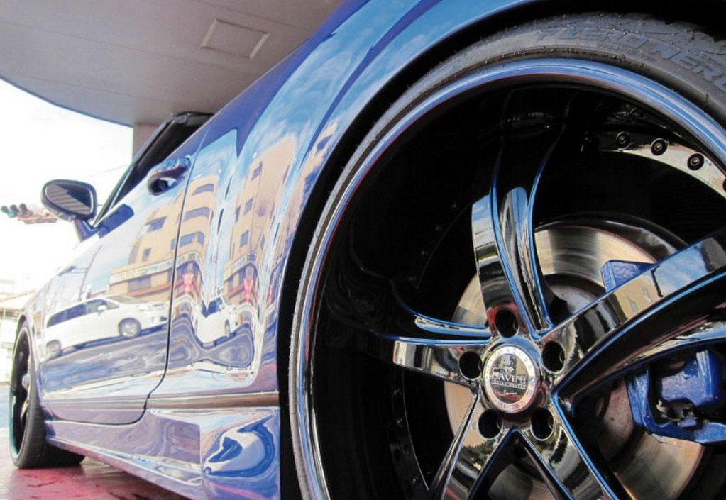 Velmi povedeně upravený Bentley Continental GT Convertible 5