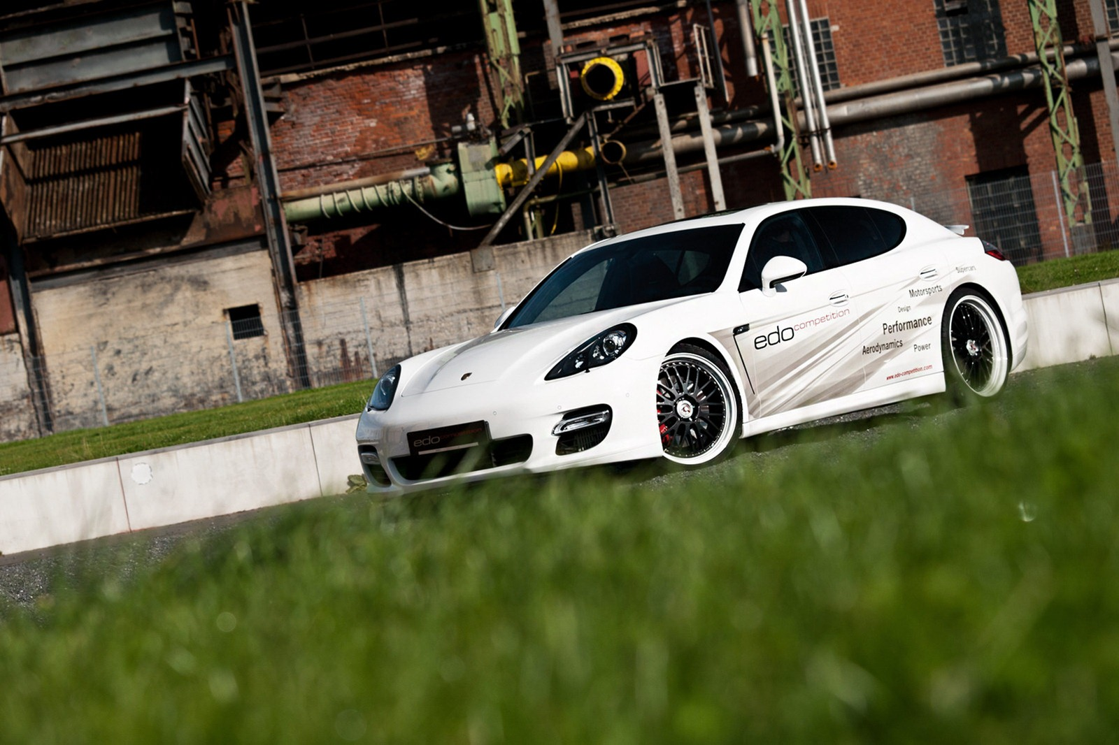 Velmi výkonné Porsche Panamera od Edo Competition 8