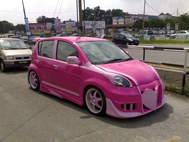 Perodua MyVi jako barbiemobil 1