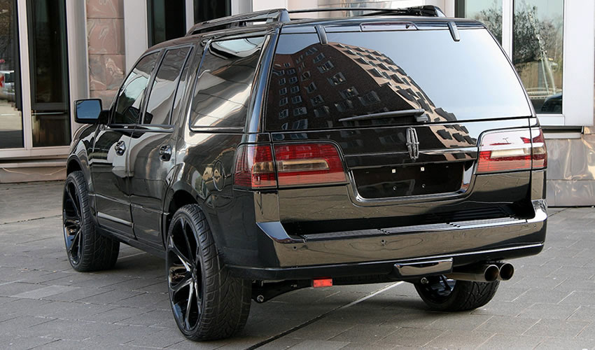 Anderson Germany představili černočerný Lincoln Navigator 2