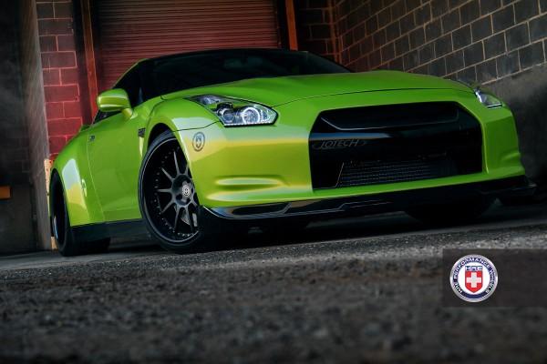 Nissan GT-R jako Green Hulk 1
