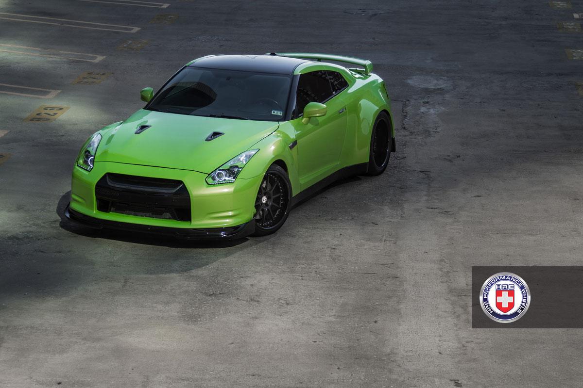 Nissan GT-R jako Green Hulk 10
