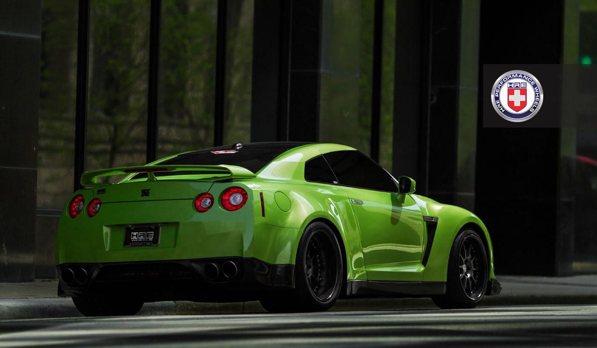 Nissan GT-R jako Green Hulk 5