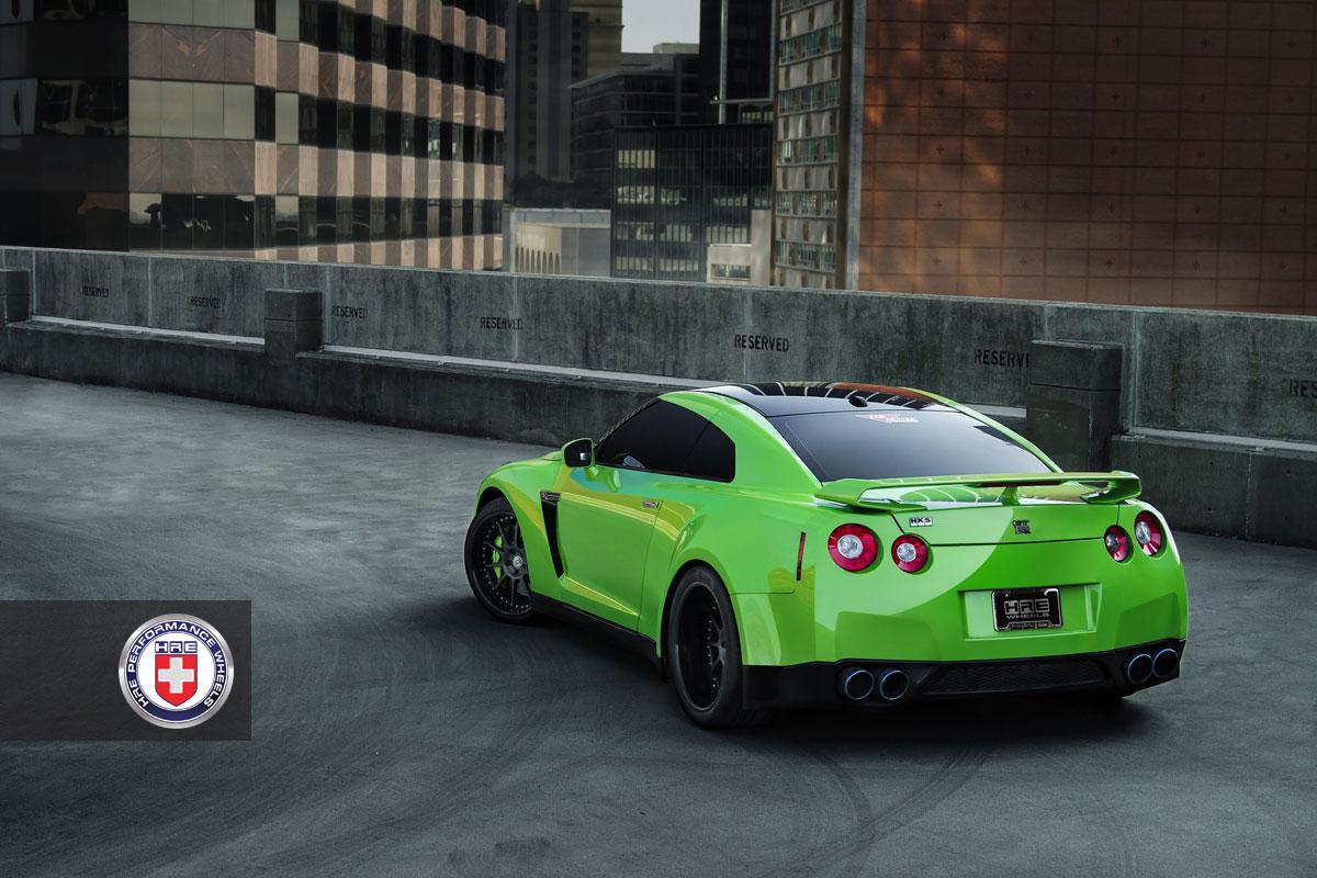 Nissan GT-R jako Green Hulk 8