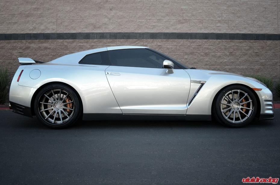 Nissan GT-R prodělal pár zlepšení u Vivid Racing 5