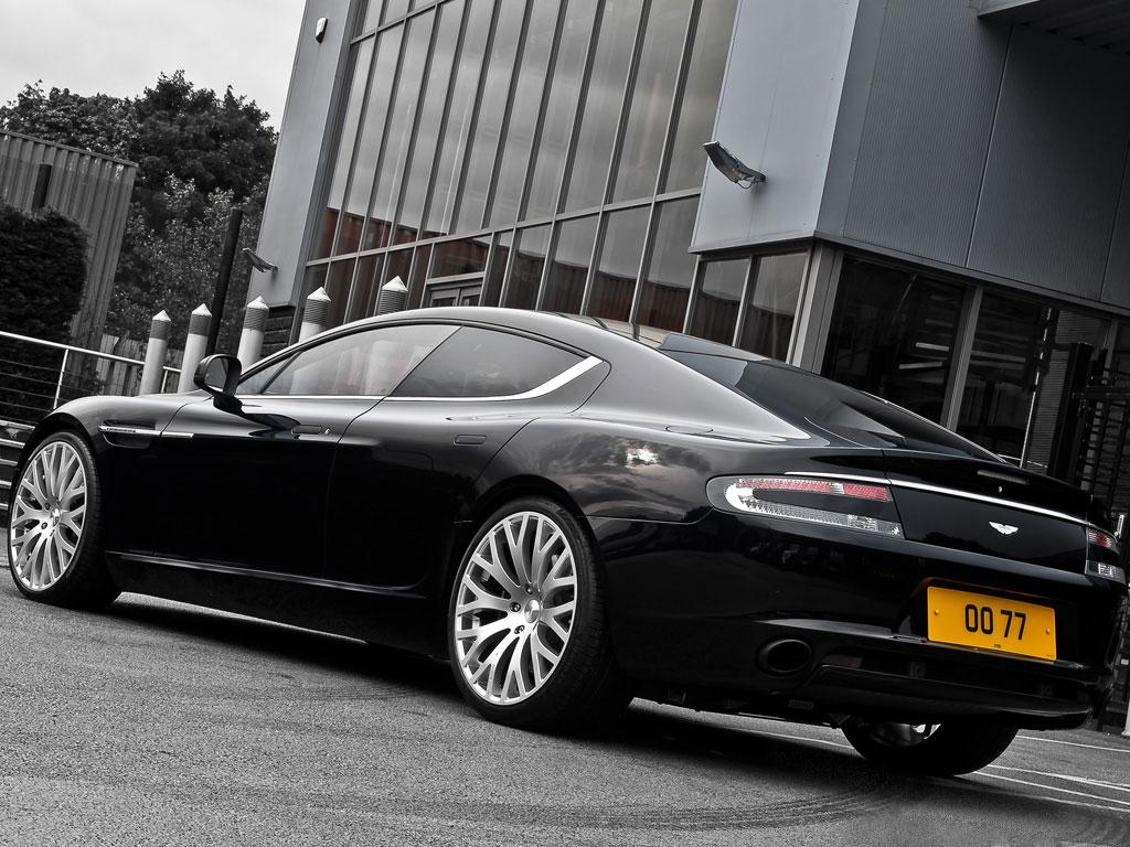 Project Kahn představuje elegantní Aston Martin Rapide 2