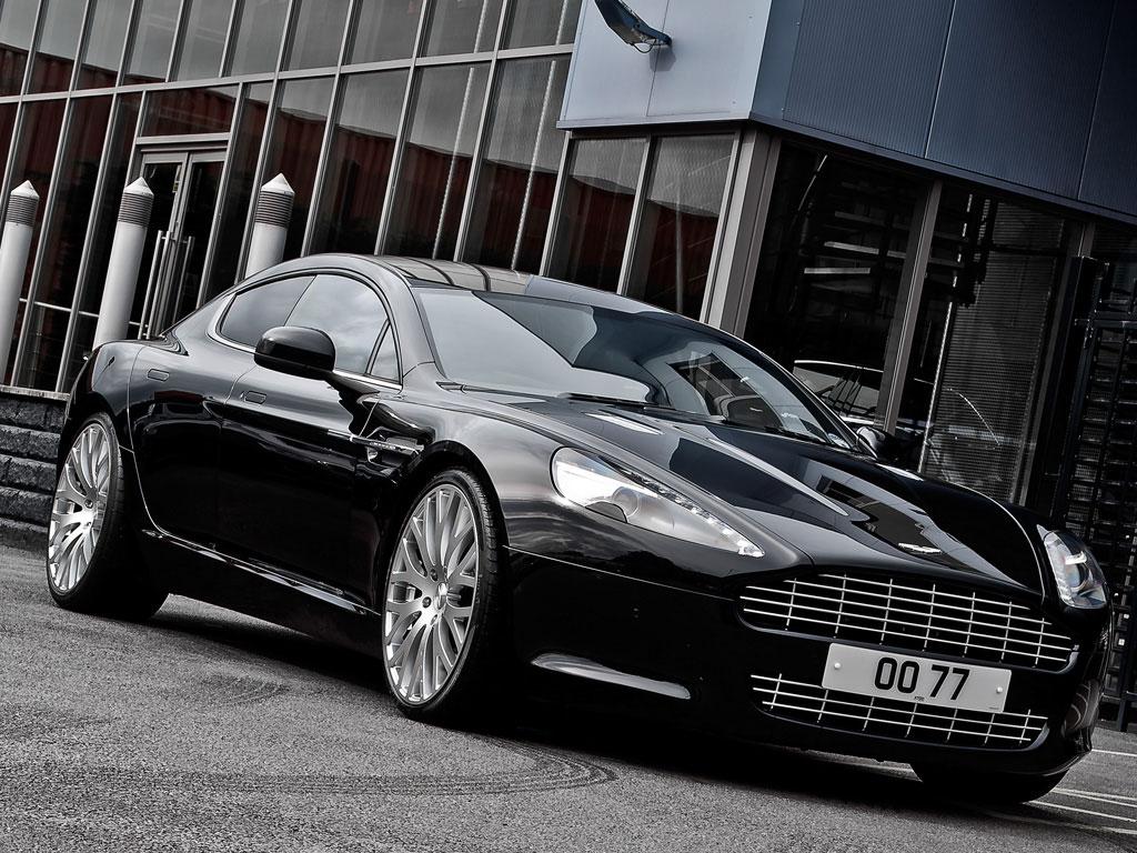 Project Kahn představuje elegantní Aston Martin Rapide 4