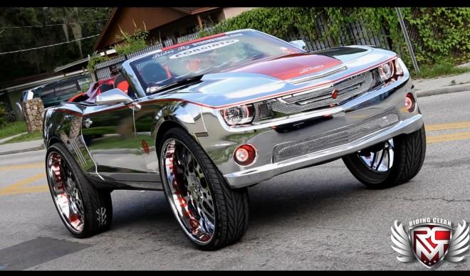 Chevrolet Camaro SS Convertible a kola o velikosti 32 palců 1