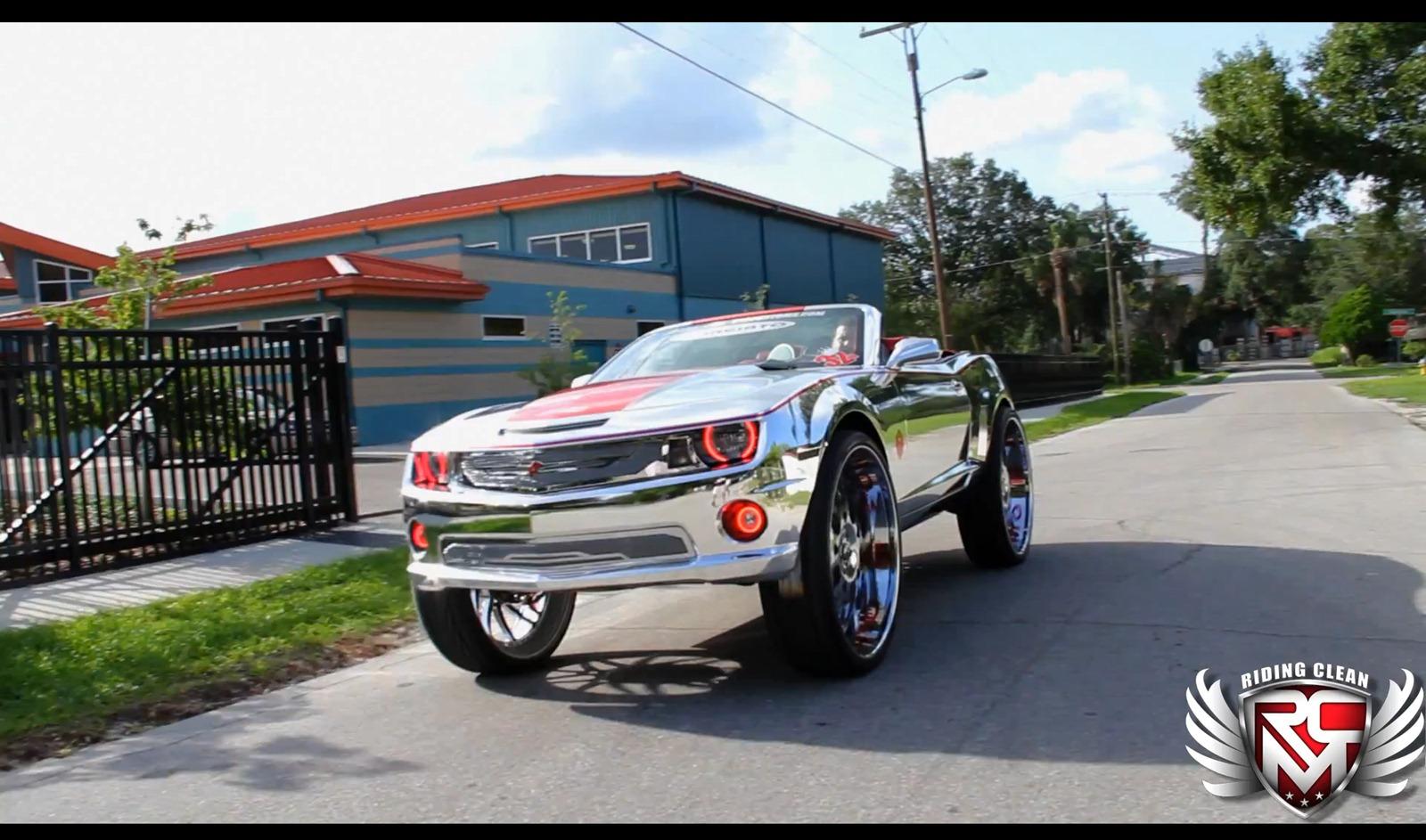 Chevrolet Camaro SS Convertible a kola o velikosti 32 palců 6