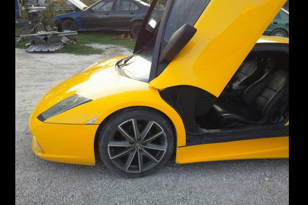 Toyota MR2 se proměnila v Lamborghini Murcielago 5