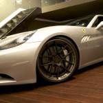 DMC představilo Ferrari California s výkonem 606 koní