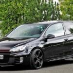Volkswagen Golf od B&B má 362 koní a jede až 278 km/h