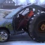 Opel Omega s obrovskými koly (video)