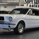 Ford Mustang z roku 1966 předělán na limuzínu