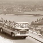 Historické autobusy v cabrio verzi