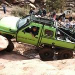 Dodge 6×6 v těžkém terénu