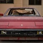 Ferrari Mondial pomalu umírající v Dubaji