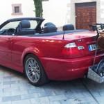BMW M3 kabriolet se stojanem pro vozík