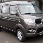Čínská mini dodávka s předkem ve stylu BMW